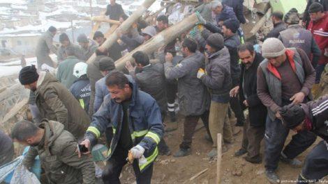 Al menos 8 muertos y más de 20 heridos por un terremoto en Turquía