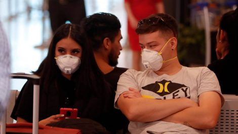 OPS advirtió que los jóvenes son los que impulsan el coronavirus