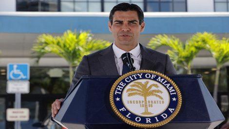 Alcalde de Miami confirmó que es positivo para coronavirus