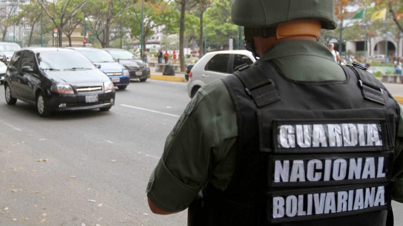 Guardias Nacionales detuvieron a trabajadores de Crónica Uno