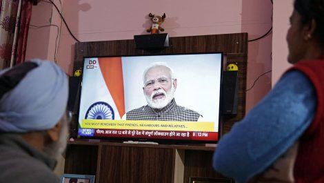 La India decreta confinamiento de sus habitantes durante 21 días