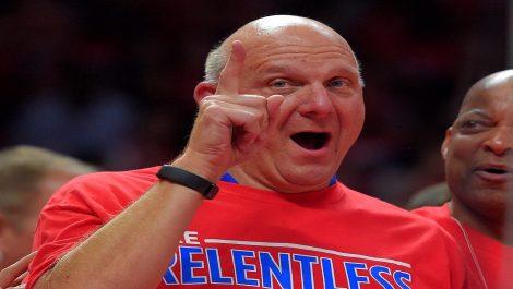 Propietario de los Clippers donó 25 millones para la lucha contra el COVID-19