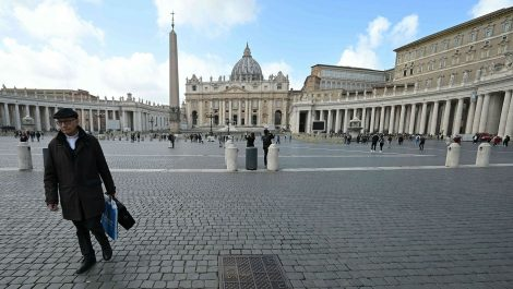 Vaticano pide al Gobierno italiano que cambie el proyecto contra la homofobia