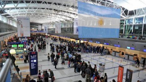 Gobierno argentino decidió prohibir todos los vuelos hasta septiembre