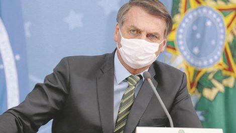 Bolsonaro apuesta por reabrir fronteras tras cambiar al ministro de salud