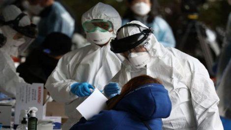 Japón aprueba novedoso test PCR que usa saliva de pacientes