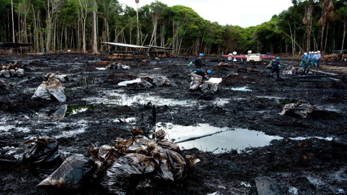 Derrame de petróleo en Ecuador pone en alerta al Perú