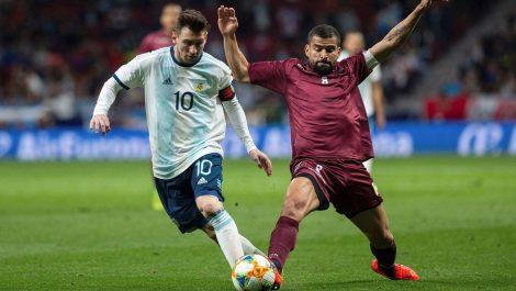 FIFA plantea que las competiciones de selección se reanuden en el 2021