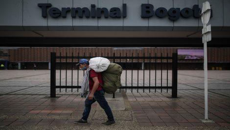 Colombia extrema medidas de contención en Cali, Bogotá y Cartagena