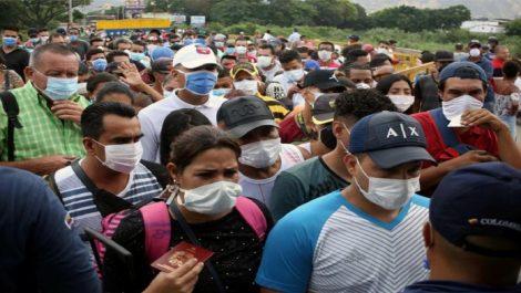 Gobierno de Maduro confirma tres fallecidos por contagio de COVID-19