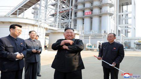 Tras 20 días de incertidumbre sobre su salud, Kim Jong Un reaparece