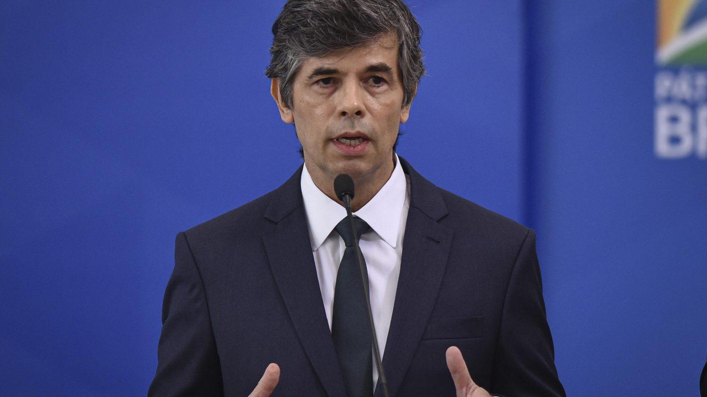 Renuncia ministro de Salud de Brasil