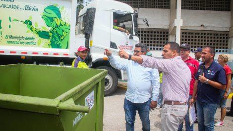 Caracas: encontraron cuerpo de una mujer en contenedor de basura