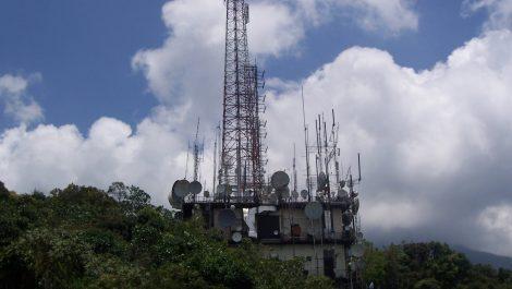 Denuncian antenas en Caracas para espiar llamadas telefónicas