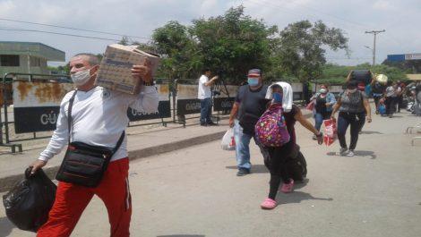 Venezolanos sufren condiciones inhumanas en Cúcuta