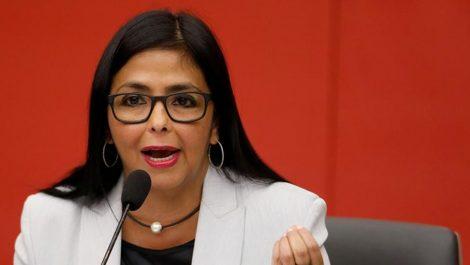 Delcy Rodríguez ataca a Duque: «Su caradurismo es repugnante»