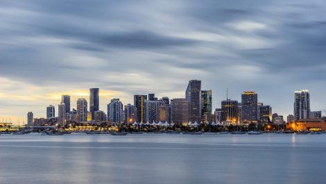 Récord en Florida: más de 5.500 nuevos casos en un día