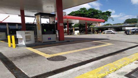 Lluvia de denuncias dejó el segundo día de venta de gasolina