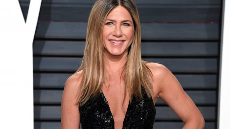 Subastarán foto de Jennifer Aniston sin ropa para recaudar fondos