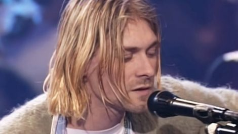 Guitarra de Kurt Cobain fue vendida por 6 millones de dólares