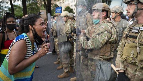 Ordenan retiro de militares en Washington D.C. al estar todo «bajo control»