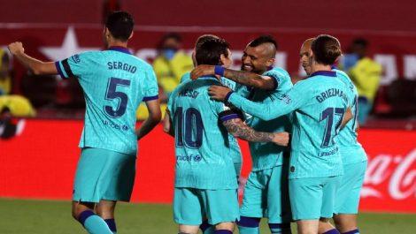 El Barcelona no renuncia a la Liga, goleando al Villareal