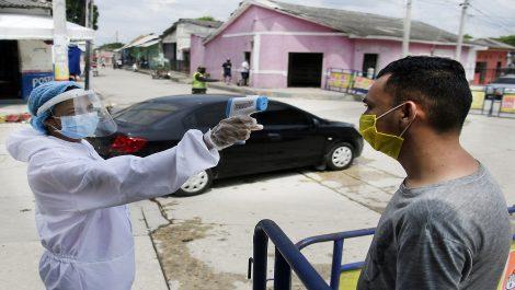 Casos y muertes de coronavirus repuntan en el Caribe de Colombia