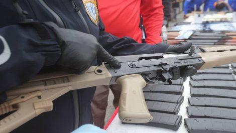 Decomisan presunto lote de fusiles provenientes de EEUU en Zulia y Carabobo