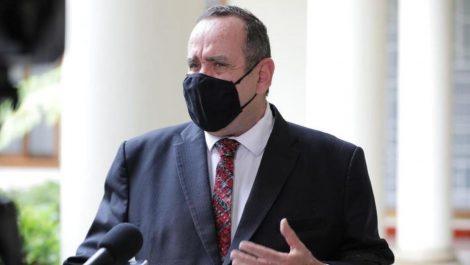 Murió por covid-19 el médico de la Presidencia de Guatemala