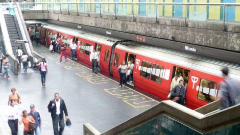 Aglomeraciones en el Metro pese a la cuarentena