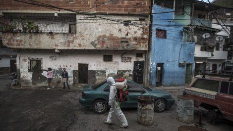 Diciembre de flexibilización: Venezuela cerca de los 1.000 muertos por COVID-19