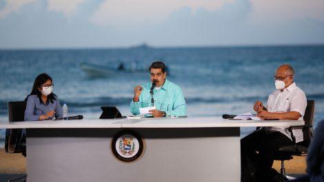 Maduro dice que científicos del IVIC han conseguido una medicina que «anula» el COVID-19