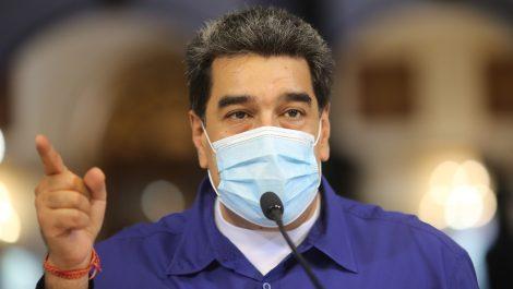 Maduro se molesta porque le nombraron a su madre (+ video)