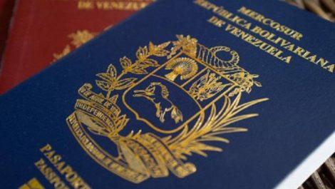 Guaidó aprueba prórroga de pasaportes venezolanos y EEUU lo admite