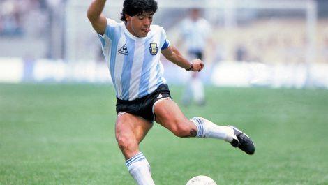 Los grandes del fútbol rinden homenaje a Maradona