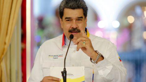 Venezuela espera iniciar vacunación masiva contra COVID-19 en abril de 2021