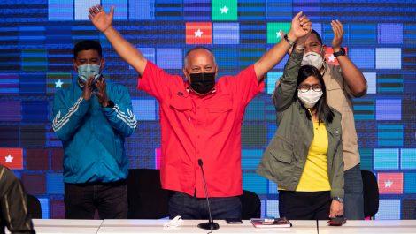 El chavismo afianza su poder, pero pierde credibilidad
