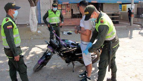 Colombia implementa toque de queda en la frontera con Venezuela