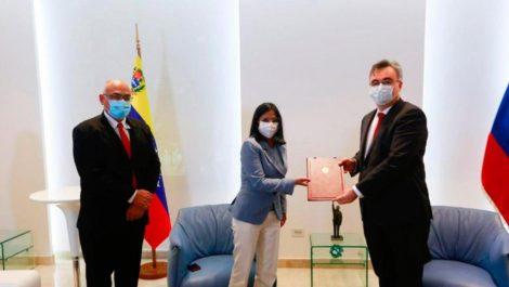 Primer lote de vacuna Sputnik V alcanza solo para 18% de los venezolanos