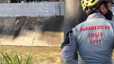 Hallan el cadáver de un hombre maniatado en el río Guaire
