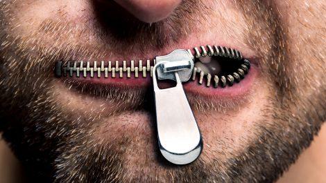 Gobierno de frente contra las últimas ventanas abiertas a la libre expresión