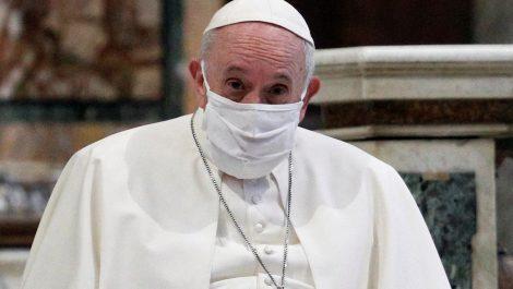 El papa denuncia «negacionismo suicida» de los anti-vacuna