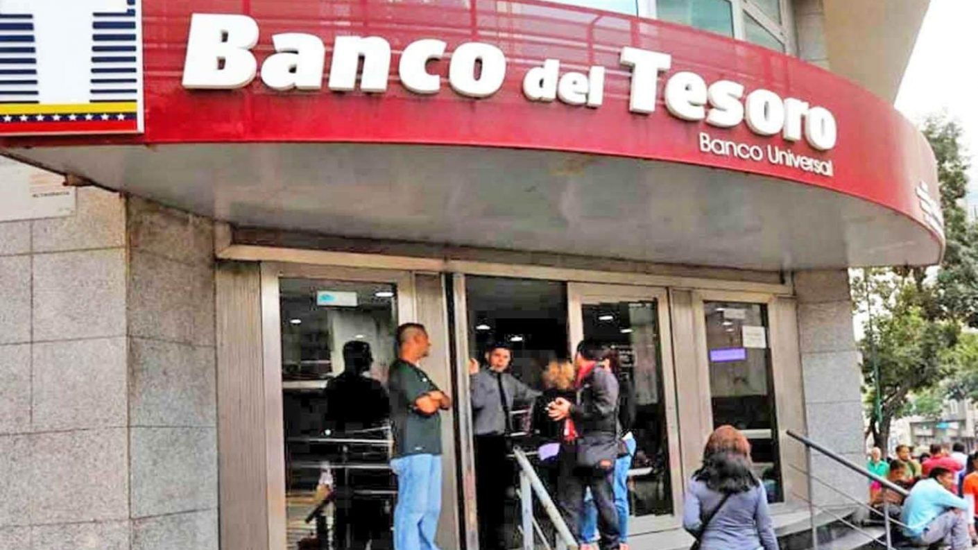 Bancos estatales abren cuentas en dólares antes de publicarse las normas del BCV