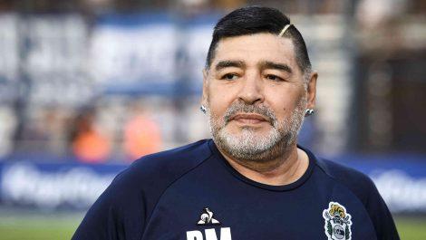 Revelan que a Maradona le ponían pastillas en la cerveza para que no molestara de noche