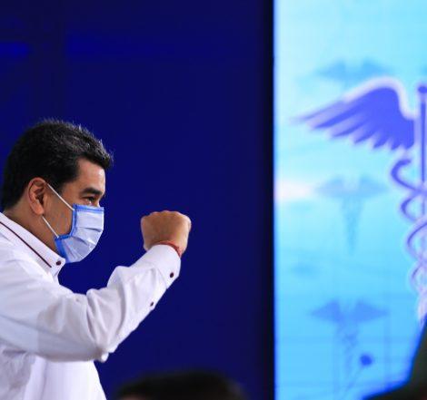 Maduro anunció que se vacunará la próxima semana