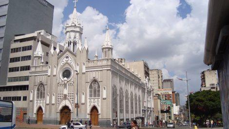 Maduro evalúa cómo será el despliegue en templos en Semana Santa
