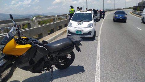 Hombre fue hallado muerto tras lanzarse al vacío en la avenida Boyacá