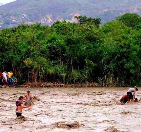 Fallecen abuelo y dos nietos al cruzar el río Táchira hacia Colombia