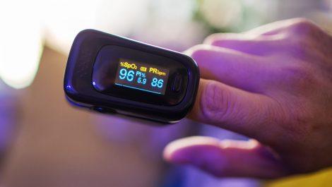 Así puedes medir tu saturación de oxígeno para saber si tienes COVID