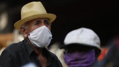 Adultos mayores con nacionalidad colombiana pueden cruzar frontera para vacunarse contra el COVID-19
